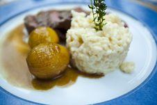 Free Steak Plate Stock Photography - 6100152
