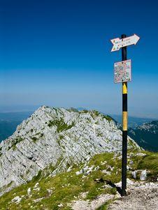 Free Top Of The Ridge In Romania Stock Image - 6100611