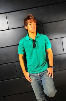 Free Casual Asian Guy 1 Royalty Free Stock Image - 6100686