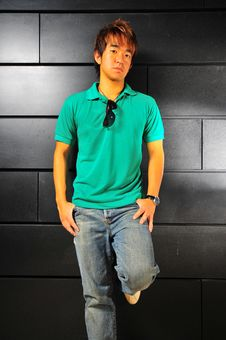 Free Casual Asian Guy 3 Stock Photography - 6100762
