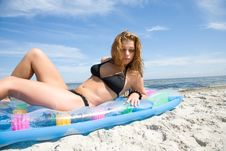 Free The Fine Girl On A Beach Stock Image - 6101401