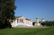 Mperial Palace And Church In Manor Sheremetevyh