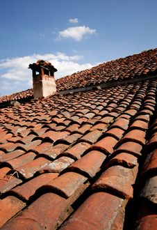 Free Roof With Chimney Royalty Free Stock Photography - 6103107