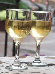 Free Cool White Wine For A Supper Stock Image - 6103561