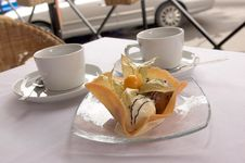 Free Dessert From Ice-cream With Tea Stock Photography - 6103612