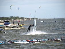 Free Men On Windsurfing Royalty Free Stock Photography - 6104037