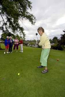 Free Women Playing Golf Stock Images - 6106954