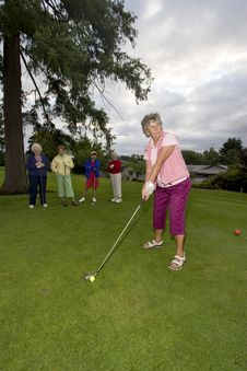 Free Woman Playing Golf Stock Image - 6107151