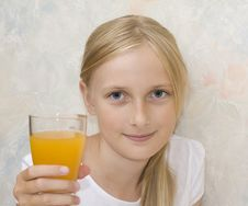 Free Young Teenager Girl Drinking Stock Image - 6107481