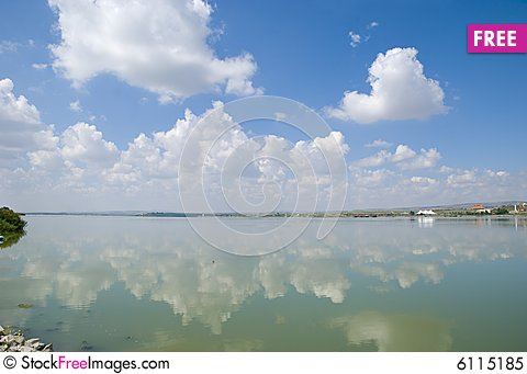 Free Tranquil Bay. Royalty Free Stock Photo - 6115185