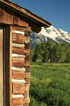 Log Building In The Mountains Royalty Free Stock Photography