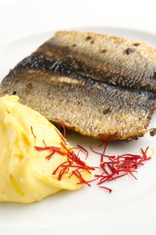 Grilled Fish With Mashed Potatoes Royalty Free Stock Images