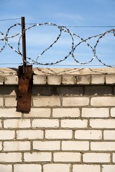 Free Barbed Wire Stock Image - 6117461