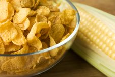 Free Corn And Corn Flakes Royalty Free Stock Images - 6118959