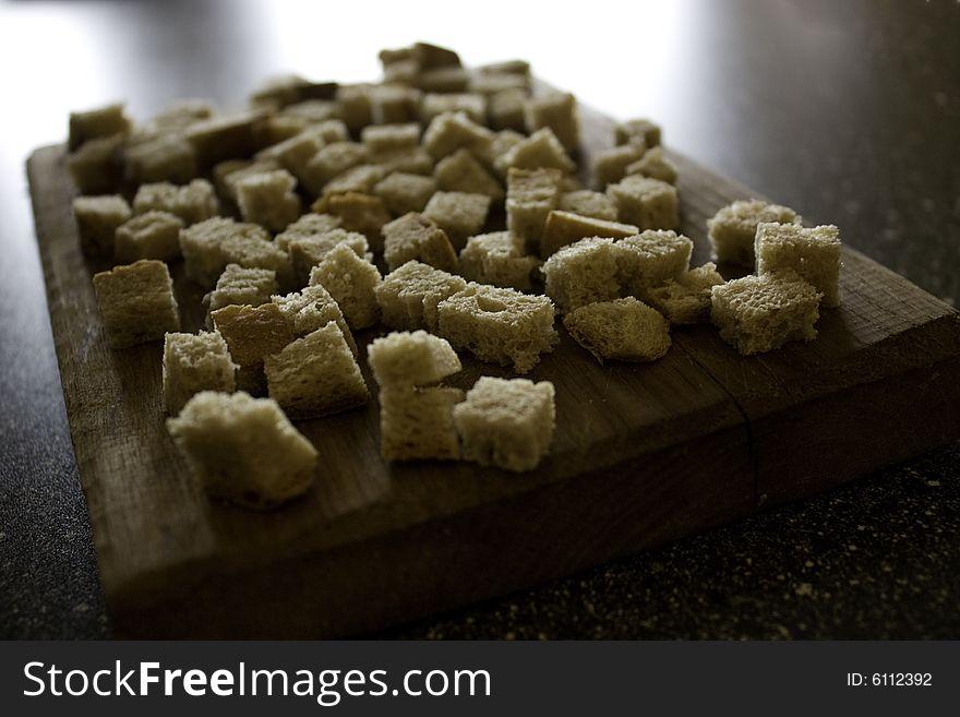 Dried bread pieces