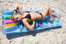 Free The Fine Girl On A Beach Stock Photography - 6132402