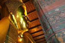 Free Gold Recline Buddha Stock Photo - 6132950