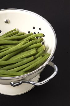 Free Green Beans In Colander Royalty Free Stock Photography - 6133147