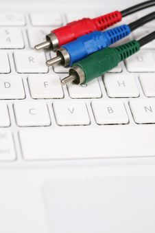 Free Audio Video Cable On Keyboard Stock Images - 6134694