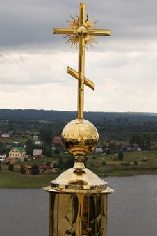 Free Gold Cross With Belltower S Reflection Royalty Free Stock Image - 6136576