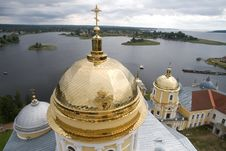 Free Gold Domes Of Orthodox Church (1) Royalty Free Stock Images - 6136769
