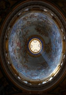 Free One Of The Small Dome In St. Peter S Basilica Stock Image - 6137591