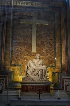Free The Pieta - Sculpted By Michelangelo In St. Peter  Stock Photos - 6137633