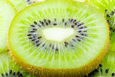 Free Sliced Kiwi Royalty Free Stock Photography - 6139137