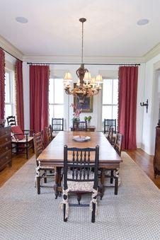 Free Elegant Diningroom Stock Image - 6147201