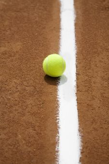 Free Tennis Ball And White Line Royalty Free Stock Image - 6149326