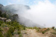 Free Foggy Mountains Royalty Free Stock Photos - 6153698