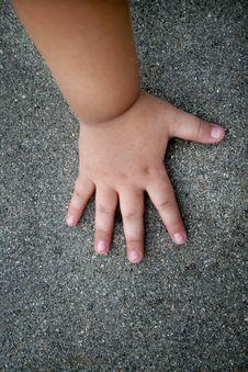 Free Baby Hand Stock Photo - 6154030