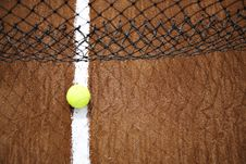 Free Tennis Ball And White Line Royalty Free Stock Images - 6156459