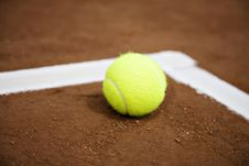 Free Tennis Ball And White Line Stock Image - 6156571