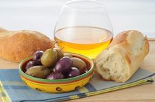 Free Olive Dish Royalty Free Stock Photography - 6158067