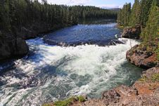 Free The Yellowstone River Near Upper Falls Royalty Free Stock Images - 6158079
