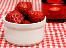 Free Strawberries, Crock And Candle Royalty Free Stock Photography - 6158827