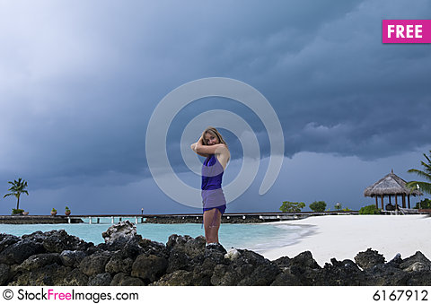 Free Sexy Woman Watching Indian Ocean Stock Photography - 6167912