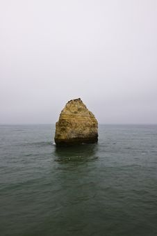 Free Big Rock In The Middle Of Nowhere Royalty Free Stock Image - 6163226