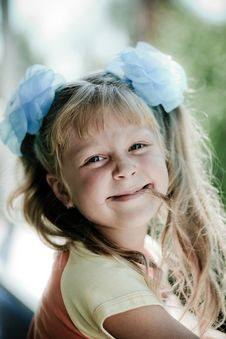 Free Smiling Girl Royalty Free Stock Photo - 6164775