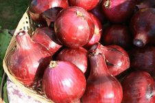 Free Red Onions Royalty Free Stock Photography - 6165917