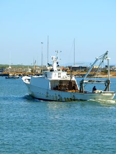 Free Fishing Boat In The Port Royalty Free Stock Images - 6167059