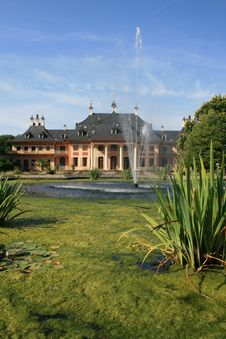Free Castle Pillnitz Royalty Free Stock Image - 6171436