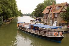 Free River Boat Stock Image - 6172041