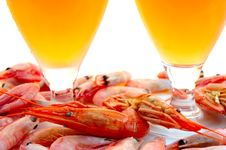 Free Beer And Shrimps (prawns). Stock Images - 6174374