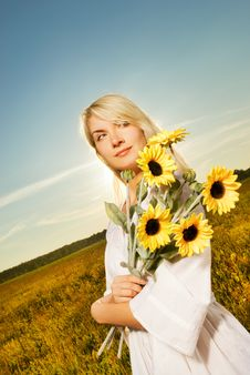 Free Woman With A Sunflowers Royalty Free Stock Photos - 6174628