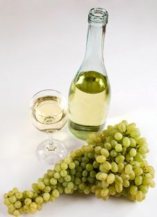 Free Grapes And White Wine Stock Photos - 6175733