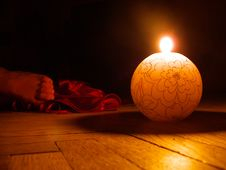 Free Candle With Woman Foot Royalty Free Stock Images - 6176259