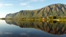 Free Lofoten Smounts Mirroring At Midnght Royalty Free Stock Image - 6176596