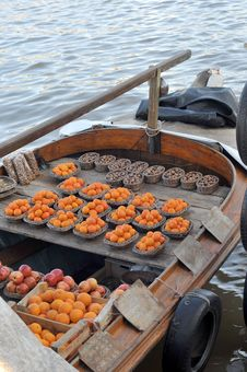 Free A Fruit Boat Royalty Free Stock Photo - 6176965
